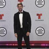 William Levy en la alfombra roja de los Latin American Music Awards 2021