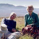 La Reina Isabel y el Duque de Edimburgo, felices y relajados en Escocia en 2003