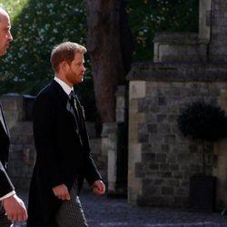 El Príncipe Harry y el Príncipe Guillermo en el funeral del Duque de Edimburgo