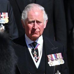 El Príncipe Carlos en el funeral del Duque de Edimburgo