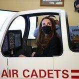 Kate Middleton en un simulador de vuelo