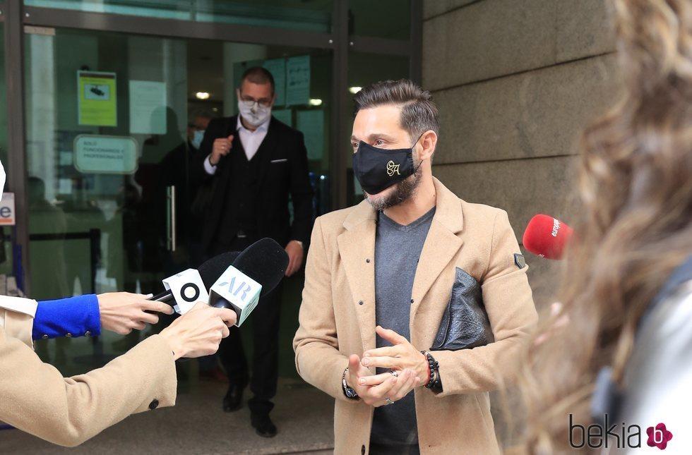 Antonio David Flores habla sobre Rocío Carrasco a la salida del juzgado
