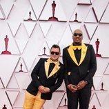Martin Desmond Roe y Travon Free en la alfombra roja de los Premios Oscar 2021