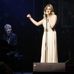 Jennifer Rojo en el concierto Únicas de Cadena Dial