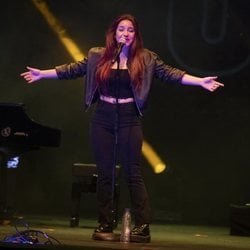 Marta Soto en el concierto Únicas de Cadena Dial