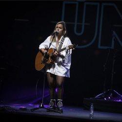 Yoly Saa en el concierto Únicas de Cadena Dial