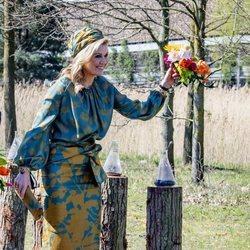 Máxima de Holanda con un ramo de flores en el Día del Rey 2021