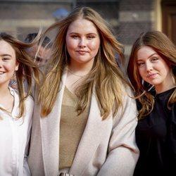 Amalia de Holanda, Alexia de Holanda y Ariane de Holanda en el concierto del Día del Rey 2021