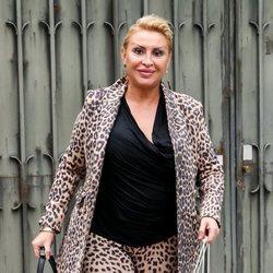 Raquel Mosquera a las puertas de su casa