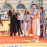 Máxima de Holanda, Amalia de Holanda y Ariane de Holanda con Duncan Laurence en el concierto del Día del Rey 2021