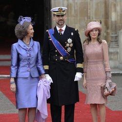 Los Reyes Felipe y Letizia y la Reina Sofía en la boda del Príncipe Guillermo y Kate Middleton