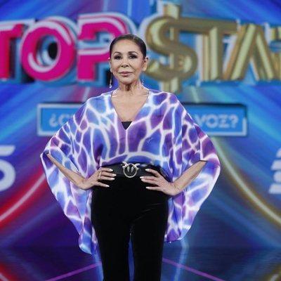 Isabel Pantoja posa elegante en la presentación de 'Top Star'