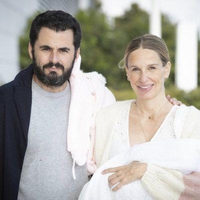 Carola Baleztena y Emiliano Suárez presentan a su primera hija