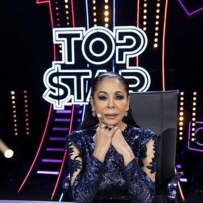 Isabel Pantoja en la mesa del jurado en el primer programa de 'Top Star'