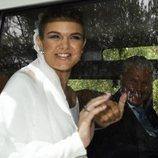 Alejandra Ruiz con su padre Espartaco llegando al día de su boda