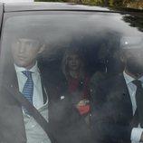 Isabella y Juan Ruiz de Rato llegando a la boda de su hermana Alejandra Ruiz de Rato