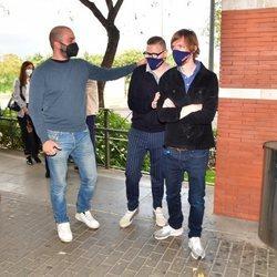 Antonio Tejado con Jorge Cadaval y Ken Appledorn en el tanatorio tras la muerte de Juan Carlos Tejado