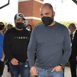 Kiko Rivera apoyando a Antonio Tejado tras la muerte de su padre, Juan Carlos Tejado