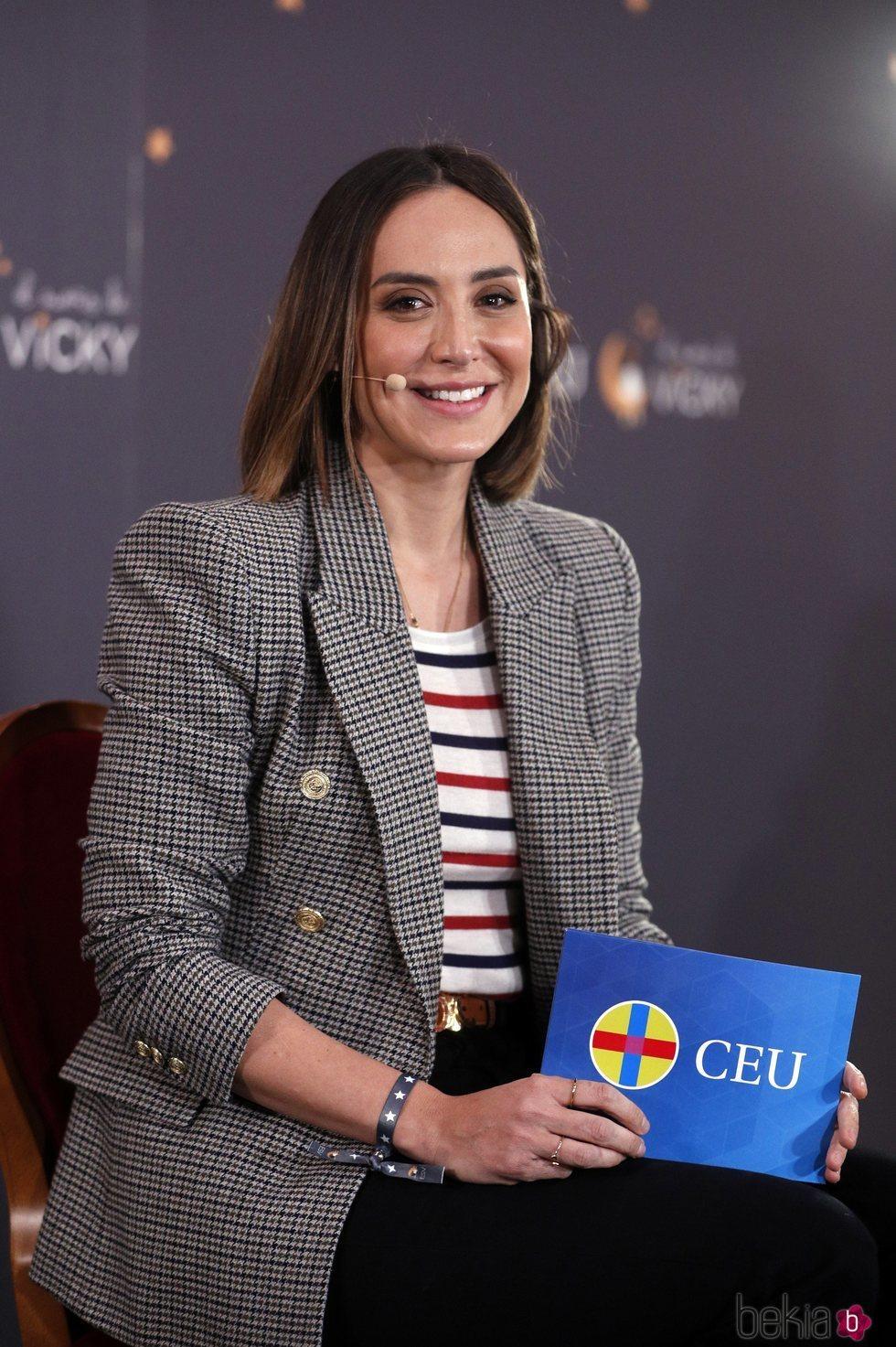 Tamara Falcó amadrina la presentación del libro 'Familias sin filtros'