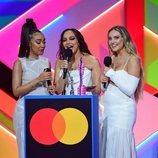 Little Mix recogen su premio en los Brit Awards 2021