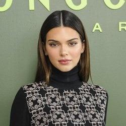 Kendall Jenner en el desfile de Longchamp durante la Semana de la Moda de Nueva York en 2020