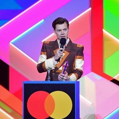 Harry Styles agradece su premio en los Brit Awards 2021