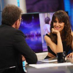 Hiba Abouk con Pablo Motos en 'El Hormiguero'