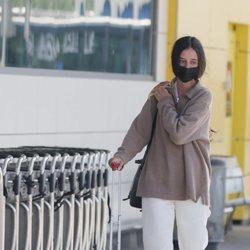 Victoria Federica en el aeropuerto de Ibiza al final de su escapada con Jorge Bárcenas