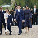 Christian de Dinamarca en su Confirmación con sus padres y hermanos