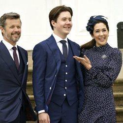Christian de Dinamarca en su Confirmación con Federico y Mary de Dinamarca