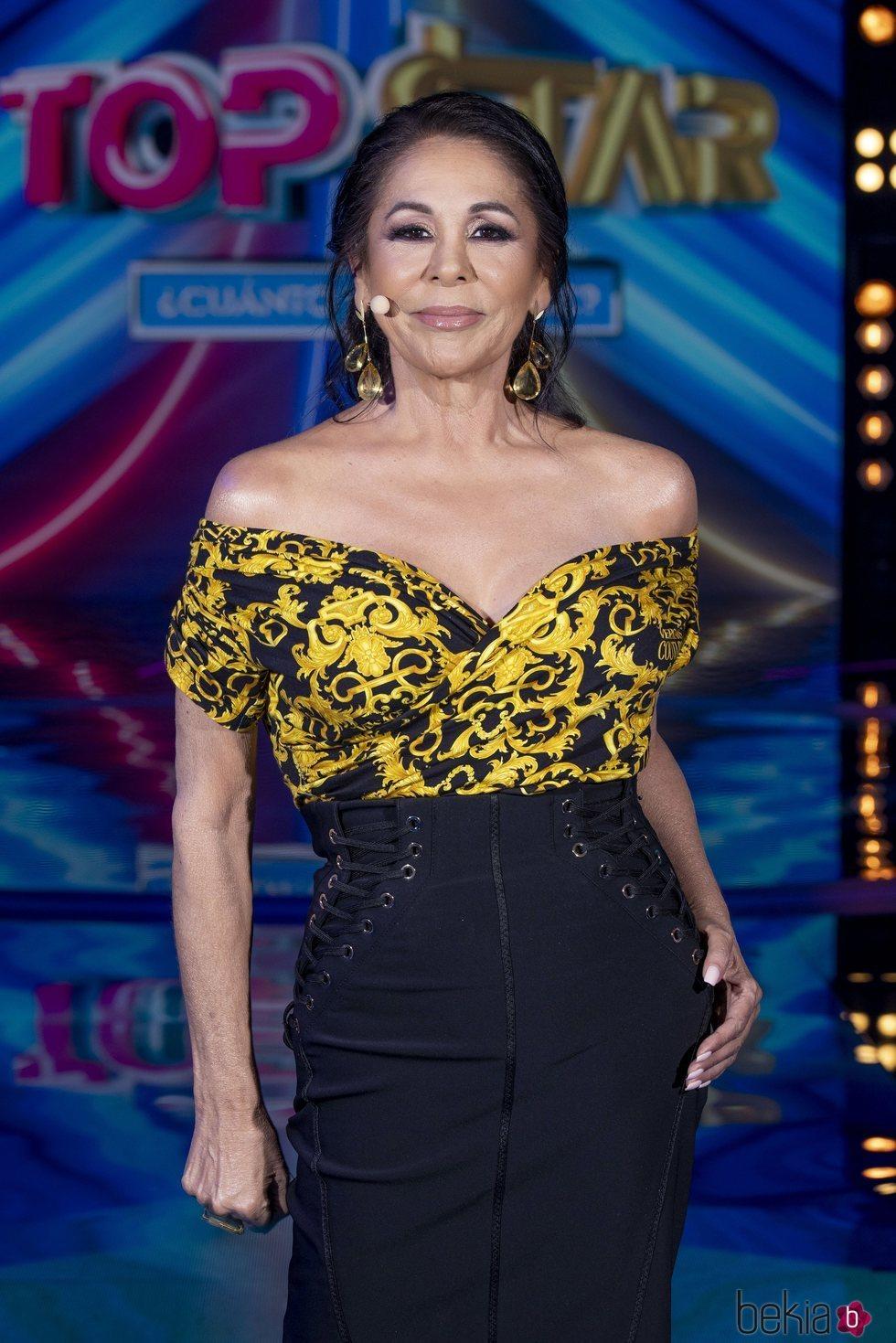 Isabel Pantoja, muy elegante en el segundo programa de 'Top Star'