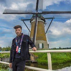 Blas Cantó haciendo turismo antes de Eurovisión 2021