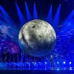 Blas Cantó sobre el escenario interpretando 'Voy a quedarme' en el primer ensayo de Eurovisión 2021