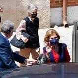 La Reina Sofía acompaña a Irene de Grecia a vacunarse