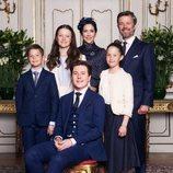 Federico y Mary de Dinamarca con sus hijos Christian, Isabel, Vicente y Josefina en la Conformación de Christian de Dinamarca