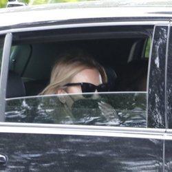 Ana Obregón marchándose del funeral de su madre