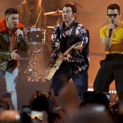 Los Jonas Brothers actúan como broche final a los Billboard Music Awards 2021