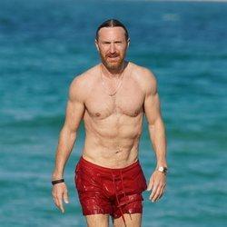 David Guetta con el torso desnudo en Miami