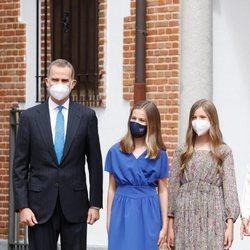 El Rey Felipe con sus hijas Leonor y Sofía en la Confirmación de la Princesa Leonor