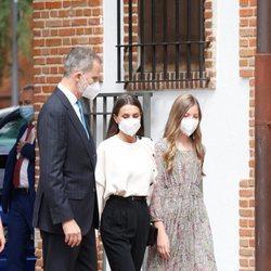Los Reyes Felipe y Letizia y la Infanta Sofía en la Confirmación de la Princesa Leonor
