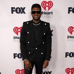 Usher en los I Heart Radio Music Awards 2021