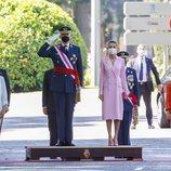 Los Reyes Felipe y Letizia y el resto de autoridades presidiendo el Día de las Fuerzas Armadas 2021 en Madrid