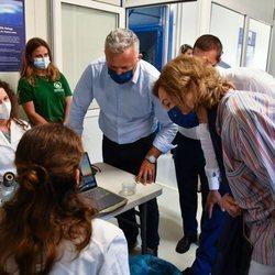 La Reina Sofía en su visita al Centro de Rehabilitación para mamíferos marinos y tortugas en Grecia