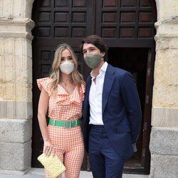María Pombo y Pablo Castellano en el bautizo de la hija de María García de Jaime y Tomás Páramo