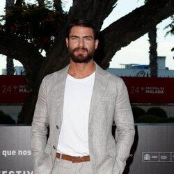 Maxi Iglesias en la alfombra roja del Festival de Málaga 2021