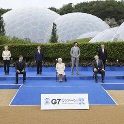 La Reina Isabel con los líderes del G7 en la cumbre celebrada en Cornualles