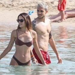 Melissa Jiménez y Marc Bartra en sus vacaciones en Ibiza