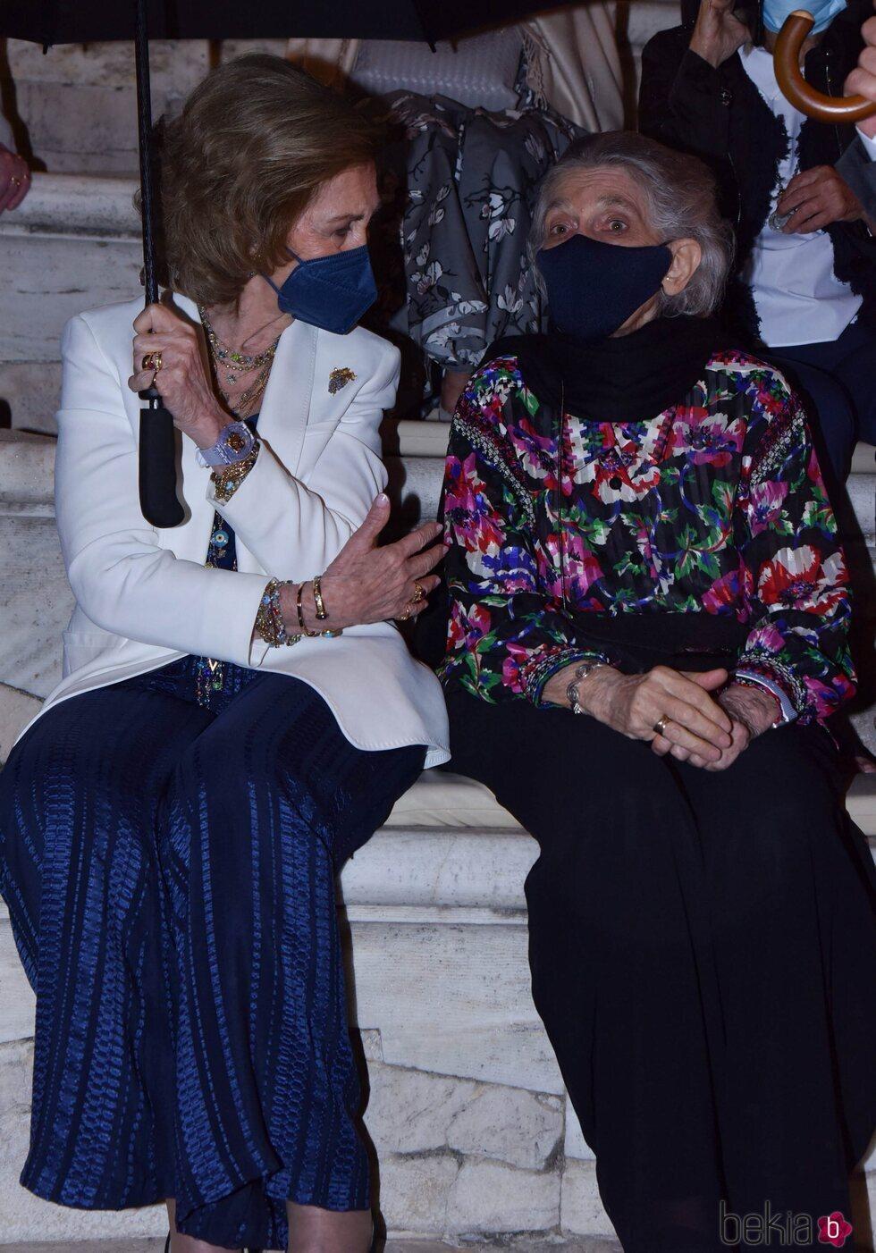 La Reina Sofía e Irene de Grecia en un concierto en Atenas