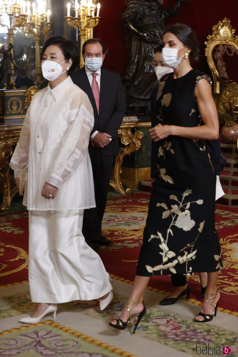 La Reina Letizia y Kim Jung-sook en la cena de Estado en honor al Presidente de Corea del Sur, Moon Jae-in, y la Primera Dama Kim Jung-sook