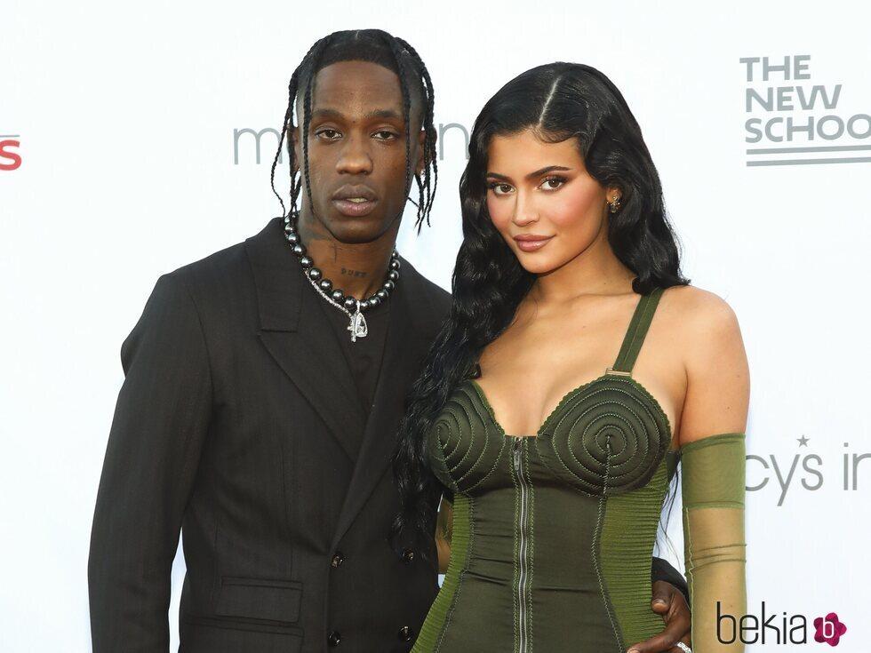Travis Scott y Kylie Jenner juntos en la 72 edición de la Parsons Benefit